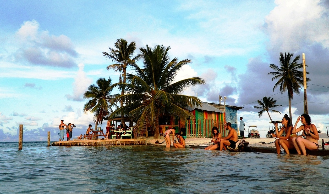 Belize Fishing Charter: The Glam Vacation Trip in Belize