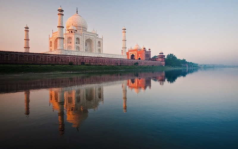 Experience Spectacular Stay in the Beautiful City Of Agra
