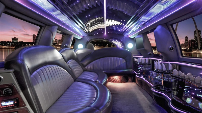 Bachelor party limousine: know what to consider beforehand