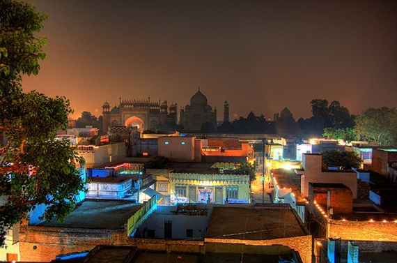THE DIWALI FESTIVAL OF LIGHTS IN INDIA